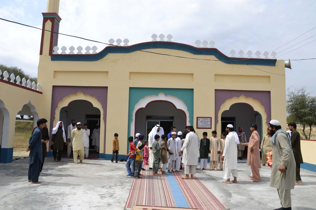بناء مساجد في باكستان وبنجلاديش
