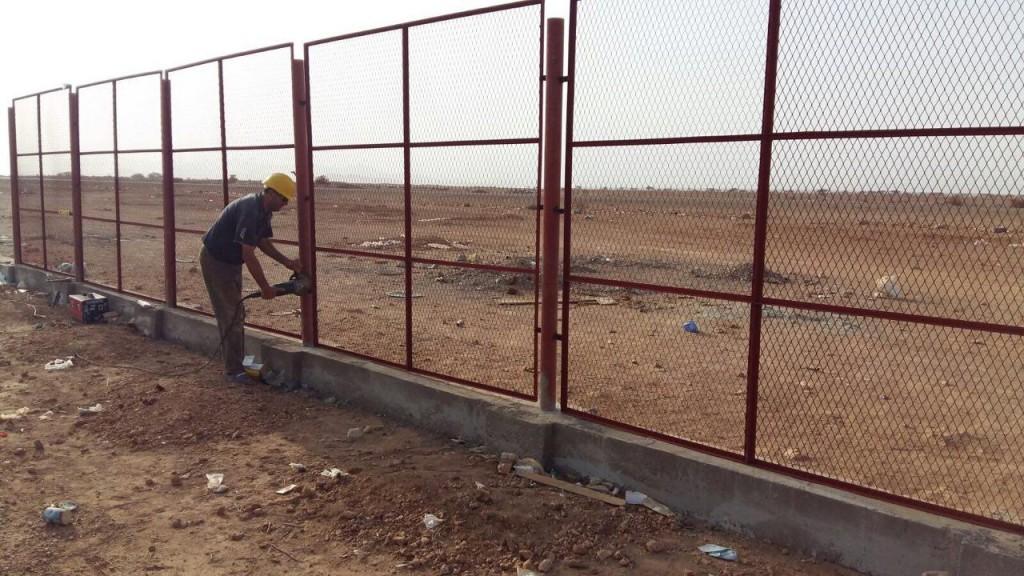 سور مخيم اللاجئين اليمنيين بجيبوتي