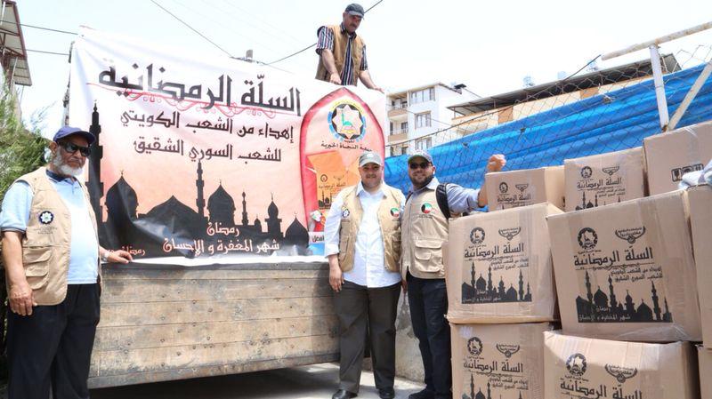 """"""" لجنة إغاثة سوريا """" تقدم المساعدات والأدوية الطبية للنازحين في تركيا والأردن"""