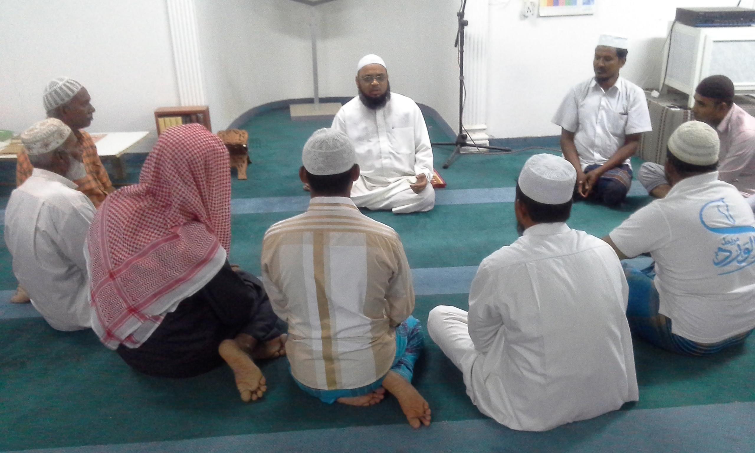 لجنة التعريف بالإسلام بالوفرة: 329 شخصا أشهروا إسلامهم