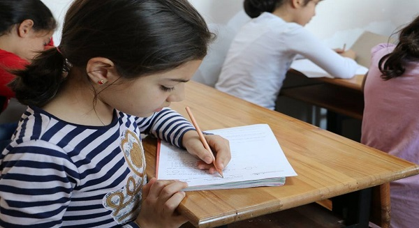 تعليم الطلاب السوريين في تركيا