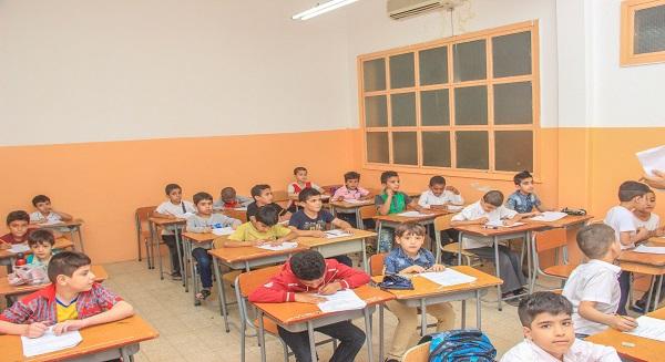 «1100» طالب سوري يلتحقون بمشروع علمني حرفا بمدارس النجاة هذا العام