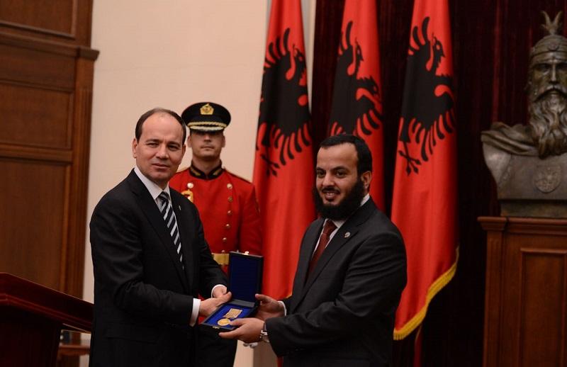 رئيس جمهورية ألبانيا يكرم جمعية النجاة الخيرية مثمنا دورها العالمي تجاه دعم المعوزين