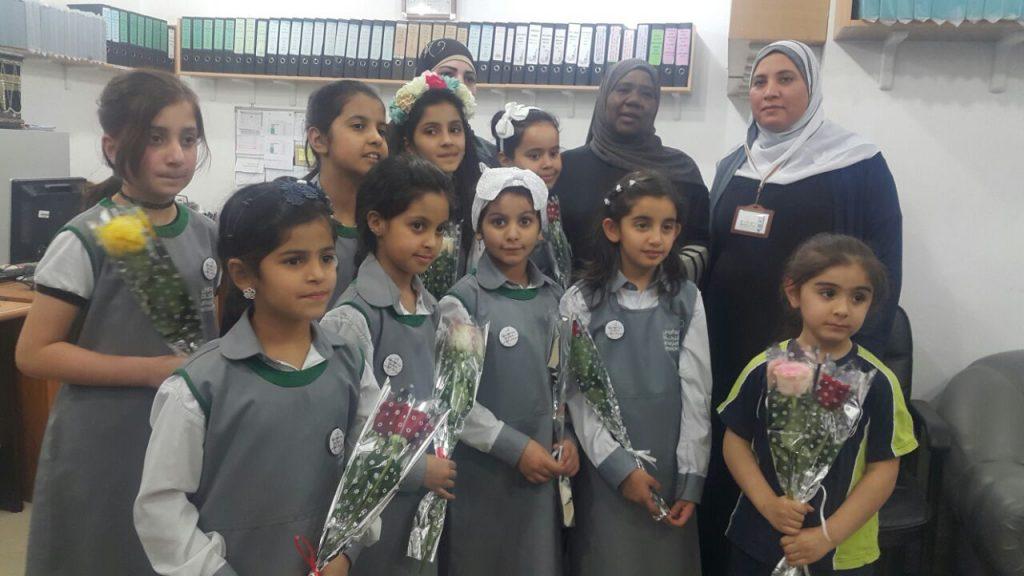 طالبات مدرسة النجاة الابتدائية في ضيافة نسائية التعريف بالإسلام بالمنقف