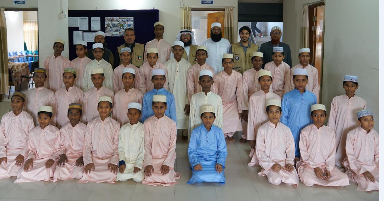 وفد #النجاة_الخيرية تفقد معهد تعليم اللغة العربية والإنجليزية وتحفيظ القرآن الكريم للأيتام ببنجلادش