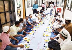 الأنصاري: 270 ألف وجبة إفطار صائم وزعتها النجاة داخل وخارج الكويت
